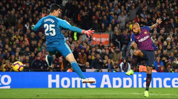 Barcelona y Real Madrid empatan con participación de Vidal