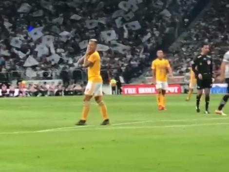 """Edu Vargas se pierde un gol solo y la prensa mexicana lo tilda de """"fantasma"""""""