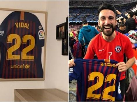"""Chileno que recibió la camiseta de Vidal: """"No la lavé, está pasada a Arturo"""""""