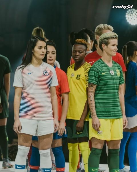 Fotos  Nike presentó en Paris la camiseta que La Roja Femenina usará en el  Mundial de Francia a290211ef9e20