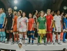 9650229318847  Fotos  Nike presentó en Paris la camiseta que La Roja Femenina usará en el  Mundial de Francia