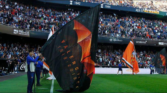 Batman vuelve a acechar al murciélago del Valencia CF