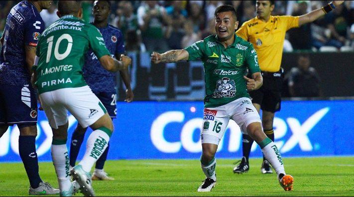 León describe como honor igualar la marca de Cruz Azul