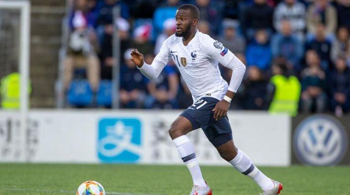 NDombélé pide salir del Olympique de Lyon