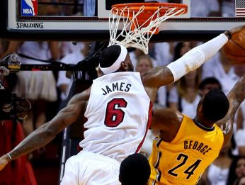 LeBron James jugando por Miami Heat