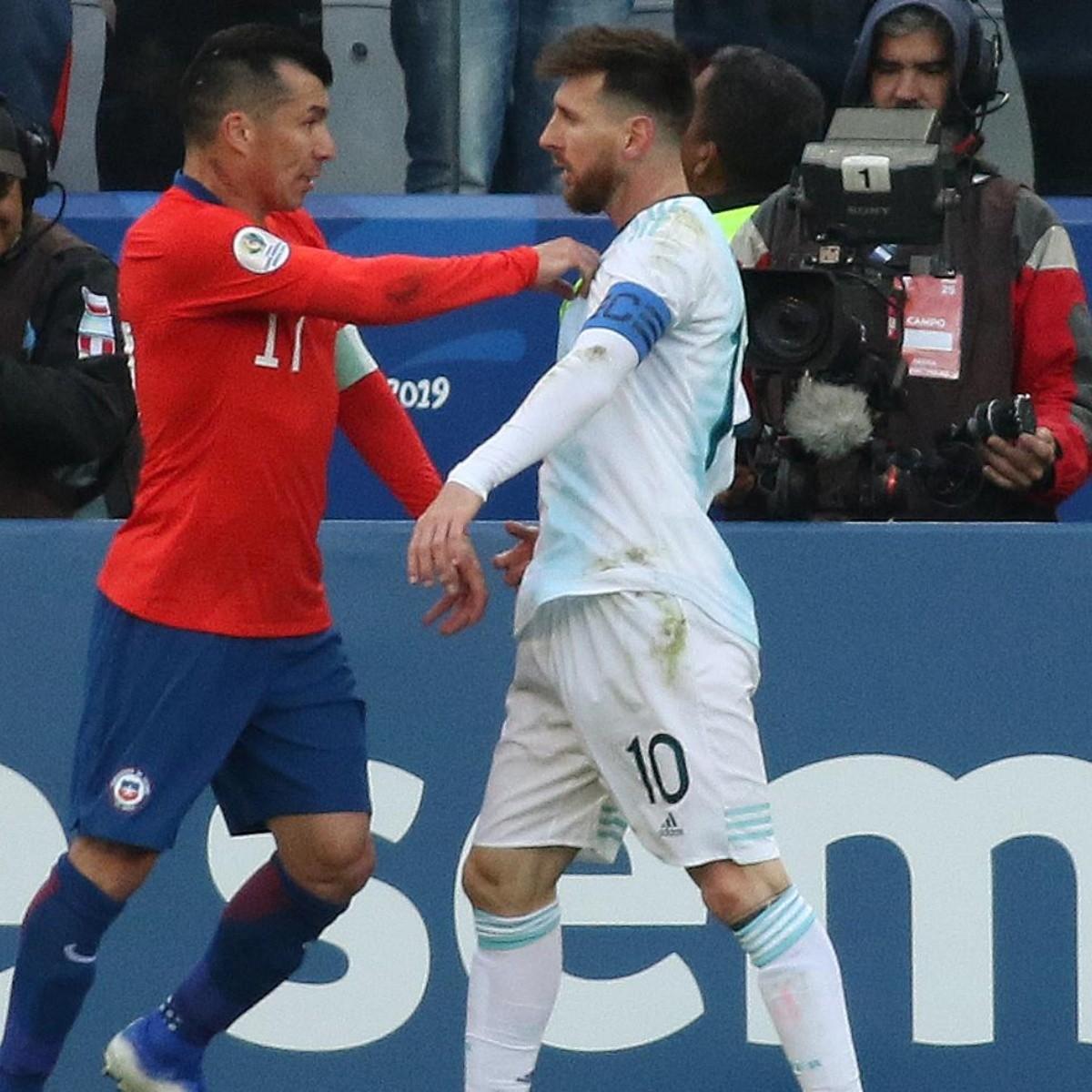 Baratita la tarjeta roja: Conmebol confirma castigo y multa para Lionel  Messi por la pelea con Gary Medel   RedGol