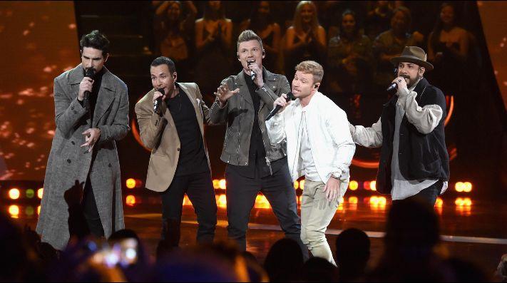 Backstreet Boys agota show y suma segundo concierto en Santiago — Locura total