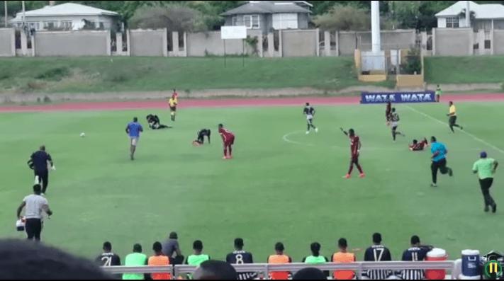 Rayo impactó contra campo de fútbol e hirió a 4 jugadores — Jamaica