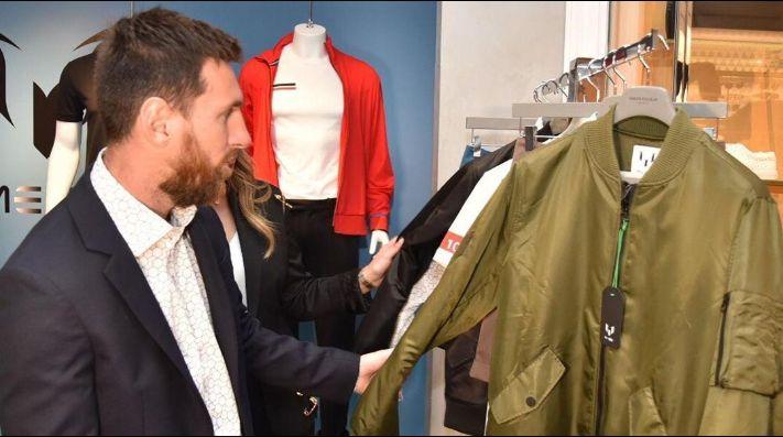 Messi inauguró su marca de ropa en Barcelona