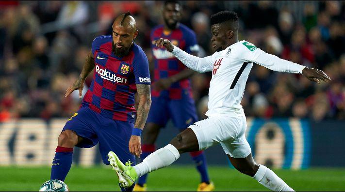 Messi la lía en el Valencia-Barça.