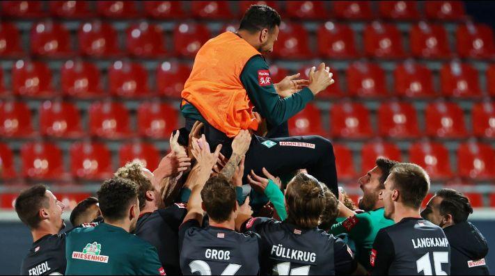 Werder Bremen se quedó con su lugar en la Bundesliga empatando