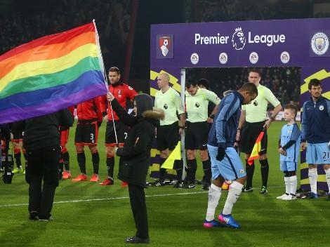Jugador de la Premier League confiesa ser gay y apunta al retiro