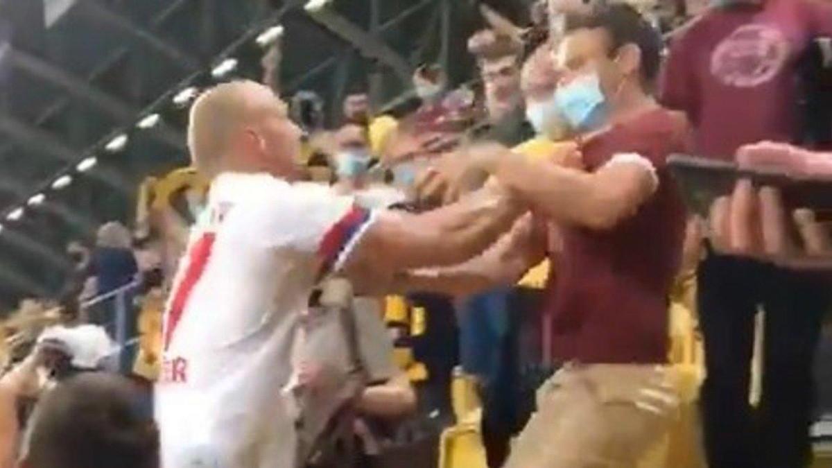 Video: Toni Leistner encara a hincha tras la derrota de Hamburgo en la Copa  de Alemania | RedGol