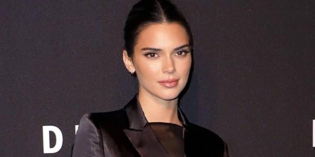 Irreconocible: Kendall Jenner sorprende a seguidores con disfraz de Pamela Anderson llamando a votar | RedGol