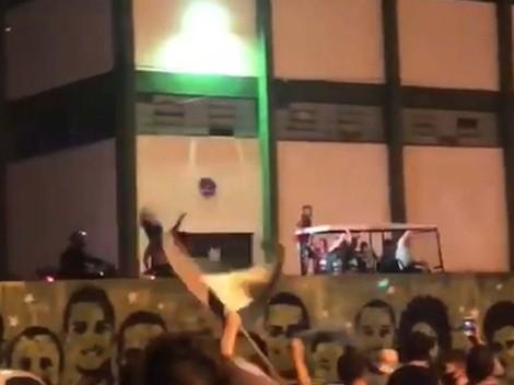 Chapecoense regresa a Primera y hace una caravana con la camilla