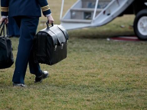 Entrega del maletín nuclear: otra tradición puesta en jaque por Trump