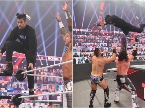 ¡Bad Bunny se lanza sobre The Miz y Morrison en Royal Rumble!