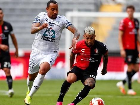Pachuca y Atlas se enfrentan para salir del fondo de la tabla en México