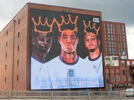 Gigantesco mural en apoyo a Rashford, Sancho y Saka