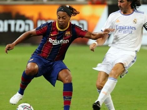 Ronaldinho se luce con un show en El Clásico de leyendas