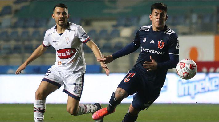 Universidad de Chile y Melipilla en su partido en El Teniente por el Campeonato Nacional.