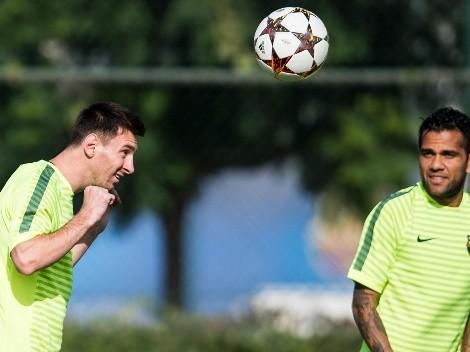 """Alves pícaro con Messi: """"Después de mi novia, mi mejor par"""""""