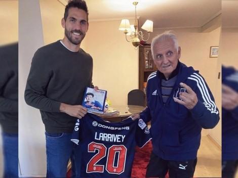 Azul hasta los huesos: Larrivey visitó a Leonel Sánchez