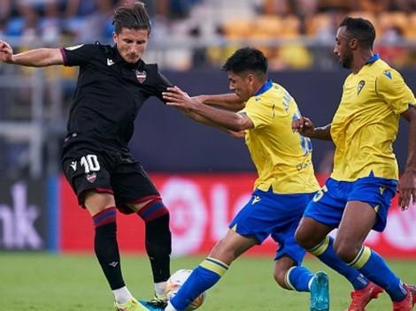 Debut de Tomás Alarcón en el Cádiz: participa en agónico gol