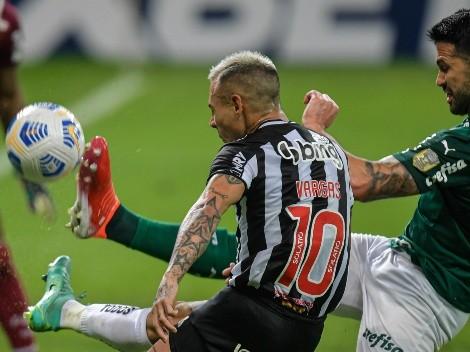 Edu Vargas titular en triunfazo de Mineiro ante Palmeiras