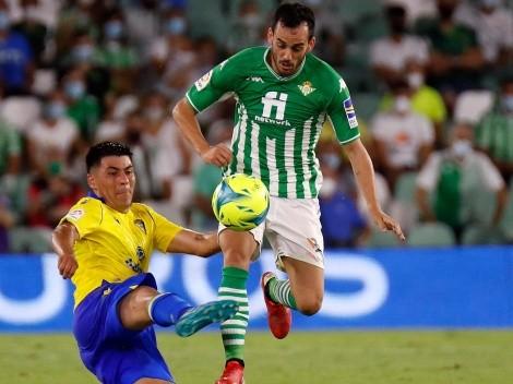 """Prensa aplaude a Alarcón: """"Se echó el equipo a la espalda"""""""