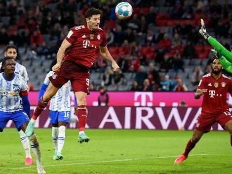 Lewandowski anota triplete y llega a 300 goles con Bayern