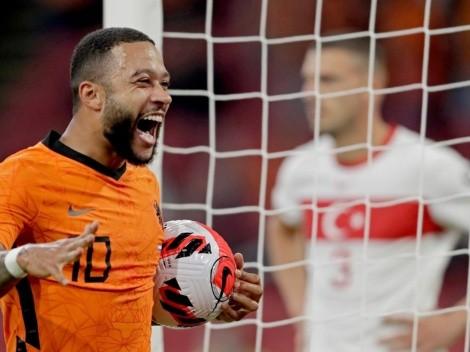 Memphis anota triplete y asiste en goleada de Países Bajos