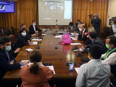 Cuarto retiro: Comisión de Constitución cambia fecha de votación en particular para semana posterior a Fiestas Patrias