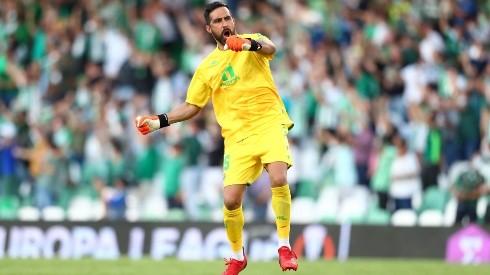 Claudio Bravo celebró con todo la victoria