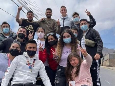 """Ignacio González reparte empanadas en Antofa: """"Que la gente que no tiene pueda festejar"""""""