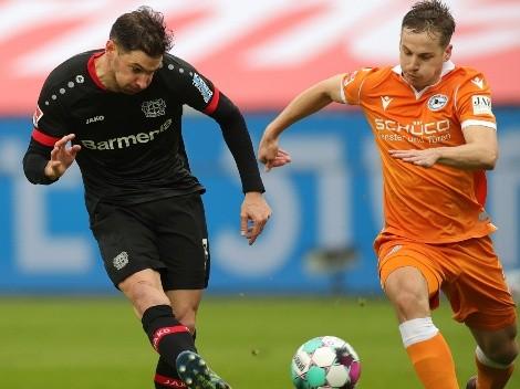Aránguiz es titular en el Leverkusen que alcanza la cima