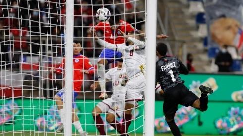 Erick Pulgar anotó el segundo de Chile y personal para darle el triunfo ante Venezuela
