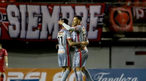 Unión La Calera logra importante triunfo ante Ñublense en el ser que le permite seguir en la lucha por la parte alta.
