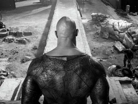 """Presentan a Dwayne Johnson con el traje de Black Adam"""""""