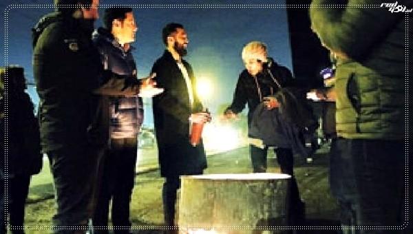 Con café y abrigos recorrió las calles de Santiago para campaña